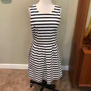 New Gap Striped Dress size 6 $74 Navy White